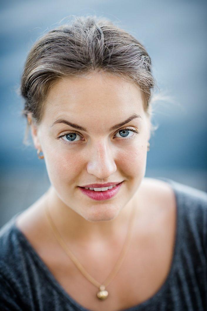 Hanna Linder, yogalärare. Foto: LinneaBengtsson.se